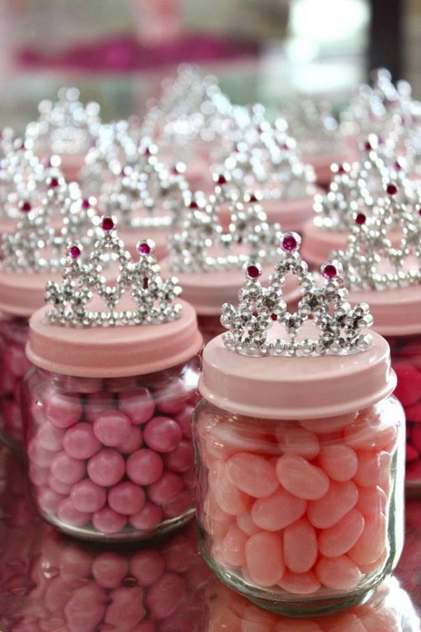 DIY Baby Food Jar Princess Crown Party Favors.